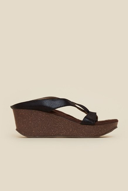 Inc.5 Black Cross Strap Wedges