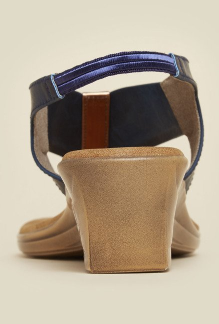 Inc.5 Navy Back Strap Wedges