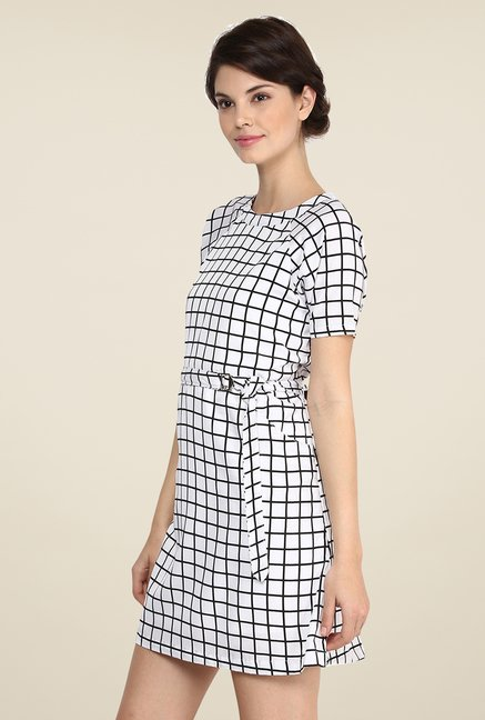 Yepme Jaynie White & Black Shift Dress