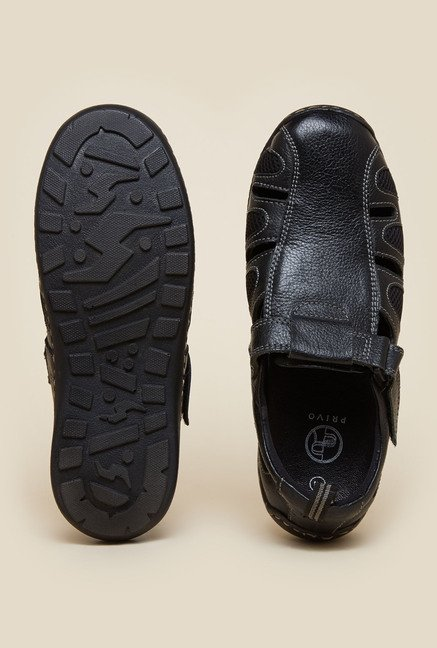 Privo by Inc.5 Black Fisherman Sandals