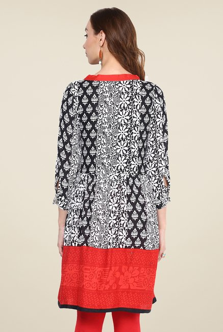 Yepme Black & Red Printed Kurti