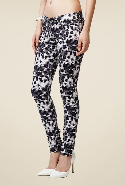 Yepme Multicolor Estella Printed Chinos