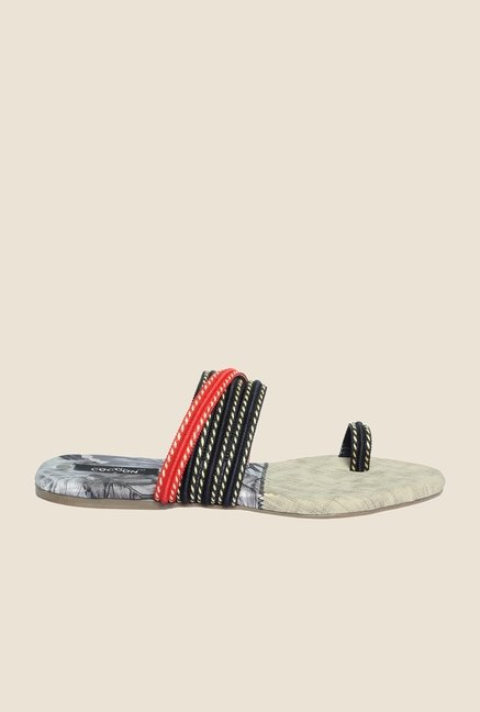 Cocoon Black & Red Toe Ring Sandals