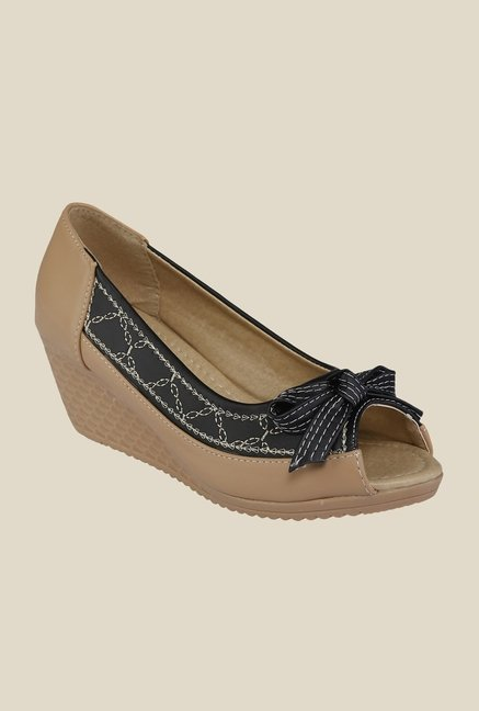 Cocoon Beige & Black Peeptoe Wedges