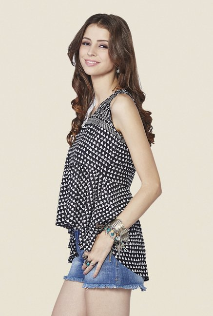 Global Desi Black & White Geometric Print Top