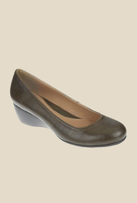 Khadim's Brown Wedge Heeled Pumps