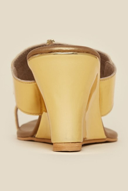 Metro Gold Toe Ring Wedge Sandal