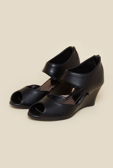 Metro Black Wedge Sandals