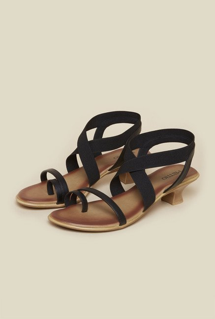 Metro Black Toe Ring Kitten Sandals