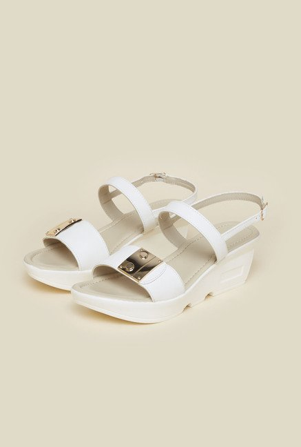 Metro White Back Strap Wedges