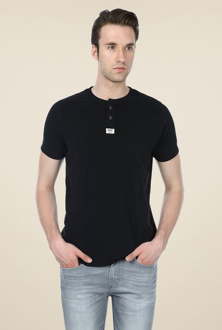 Basics Black Solid T-shirt