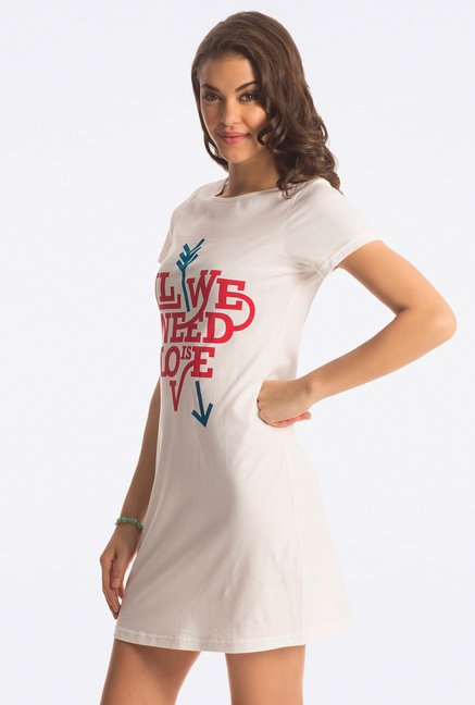 PrettySecrets Snow White Graphic Print Sleepshirt