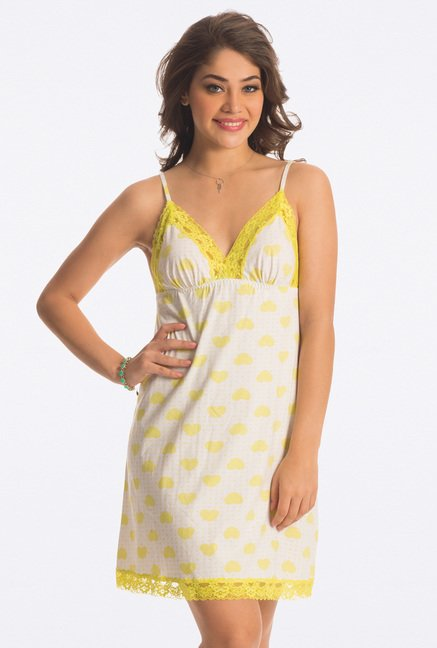 PrettySecrets Yellow Heart Print Short Chemise