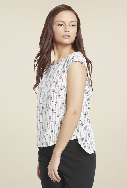 Globus White Printed Top