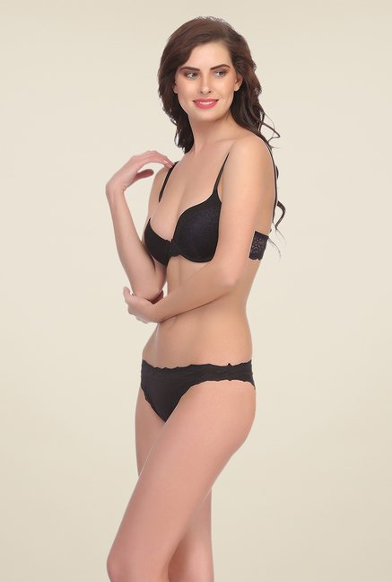 Clovia Black Under Wired Padded Bra & Panty Set