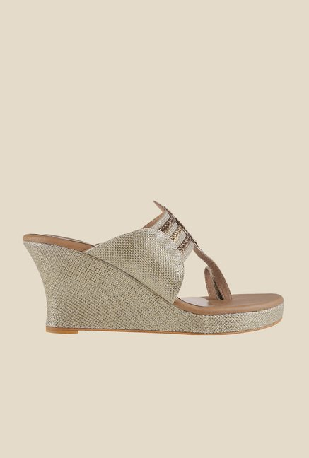 Mochi Golden Toe Ring Wedges