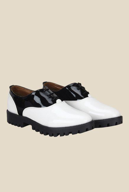 Knotty Derby Ginny White & Black Oxford Shoes