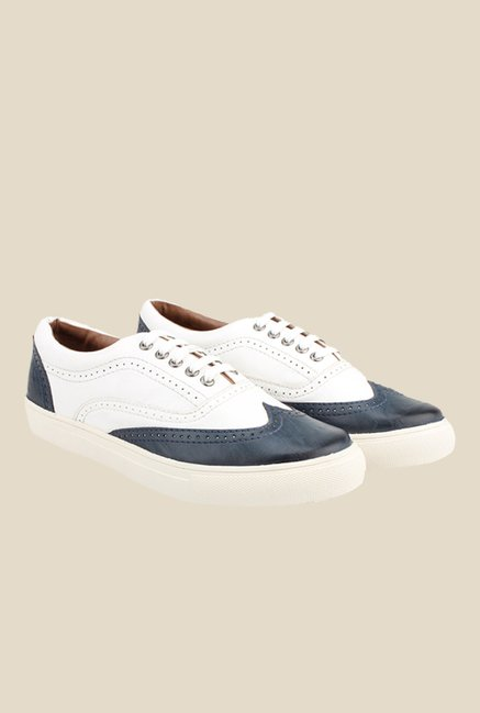 Knotty Derby Alecto Wing Cap White & Navy Plimsolls