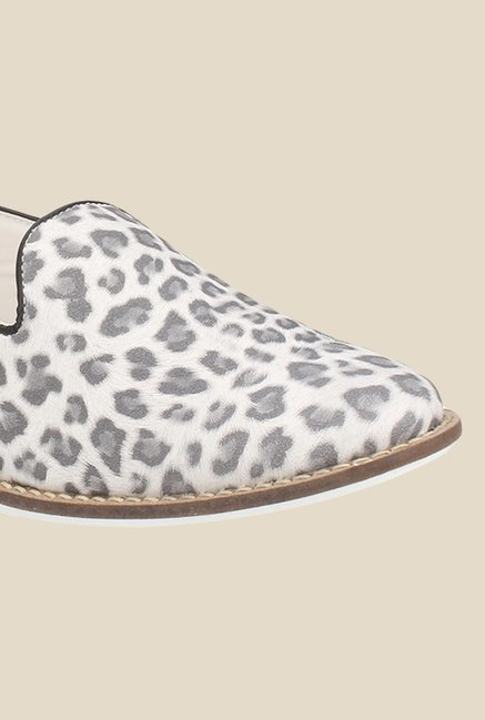 Knotty Derby Thomas White & Grey Loafers