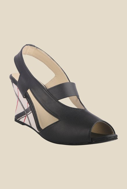 Wearmates Black Sling Back Wedges