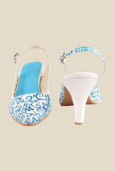 Wearmates White & Blue Back Strap Sandals