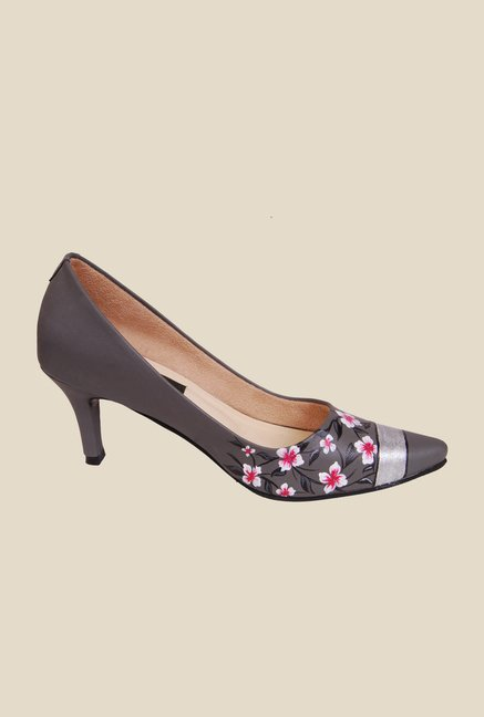 Wearmates Grey & Pink Pumps