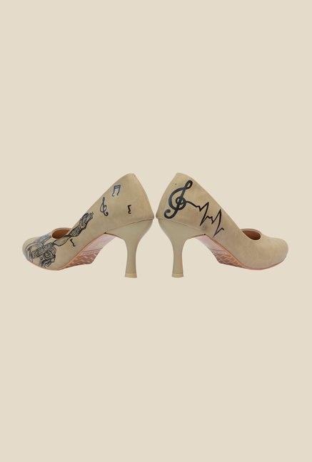 Wearmates Beige & Black Stiletto Heeled Pumps