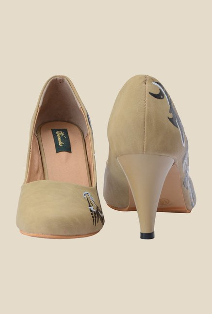Wearmates Beige & Black Cone Heeled Pumps