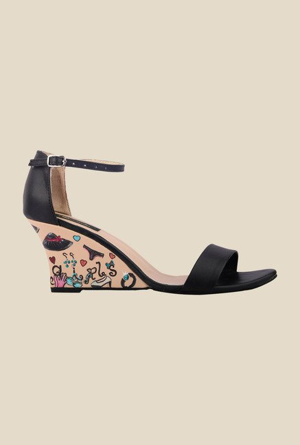 Wearmates Black Ankle Strap Wedges