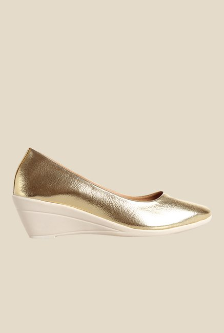 Cobbler's Thread Golden Wedge Heeled Pumps