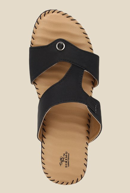 Niremo Black Flat Sandals