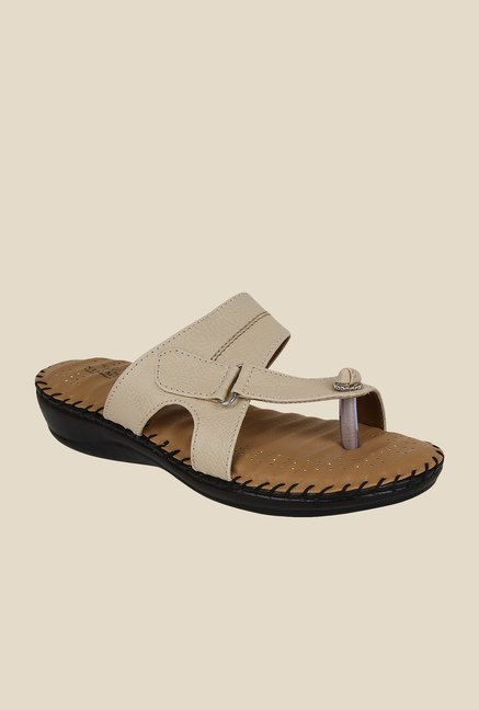 Niremo Cream Toe Ring Sandals