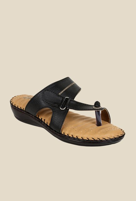 Niremo Black Toe Ring Sandals