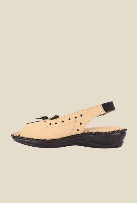 Niremo Beige & Black Back Strap Sandals