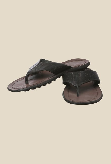 Enzoni Riverwind Black Thong Sandals