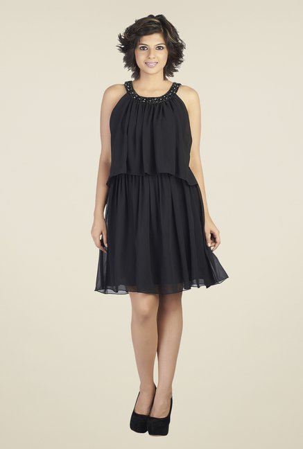 Soie Black Solid Round Neck Dress