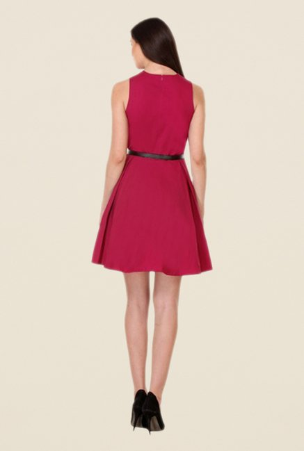Kaaryah Magenta Solid Sleeveless Dress