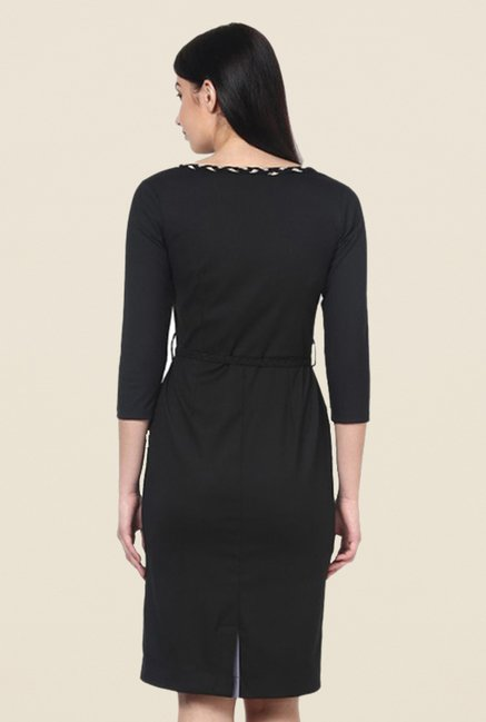 Kaaryah Black Solid Square Neck Dress