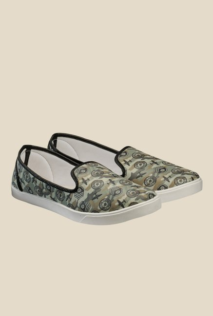 Juan David Olive & Black Plimsolls