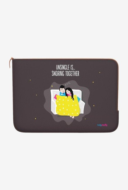 "DailyObjects Snoring Together Macbook 12"" Zippered Sleeve"