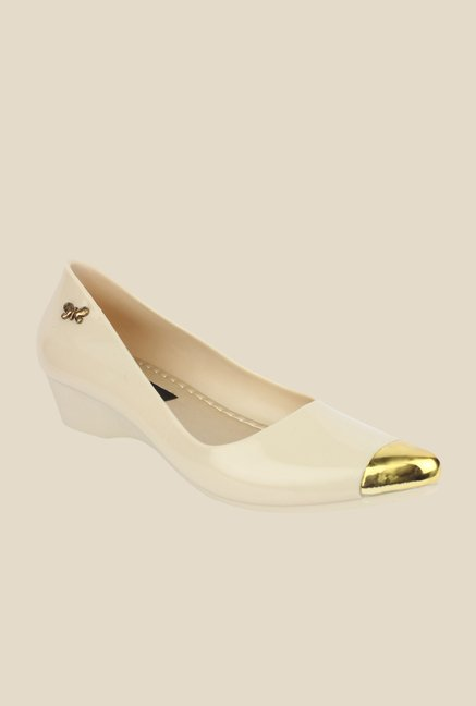 Shoetopia Cream & Golden Wedge Heeled Pumps