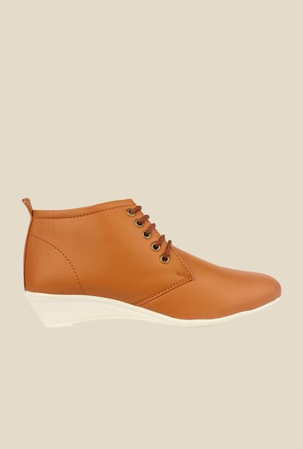 Shoetopia Tan Chukka Boots