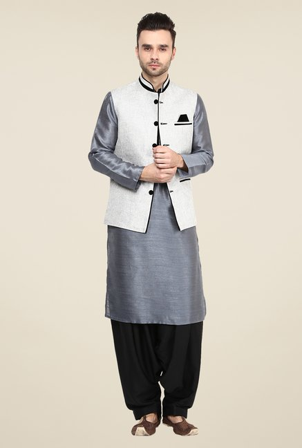 Yepme Off White Bret Solid Nehru Jacket
