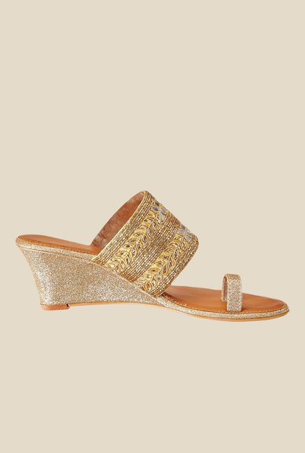 Catwalk Golden Toe Ring Wedges