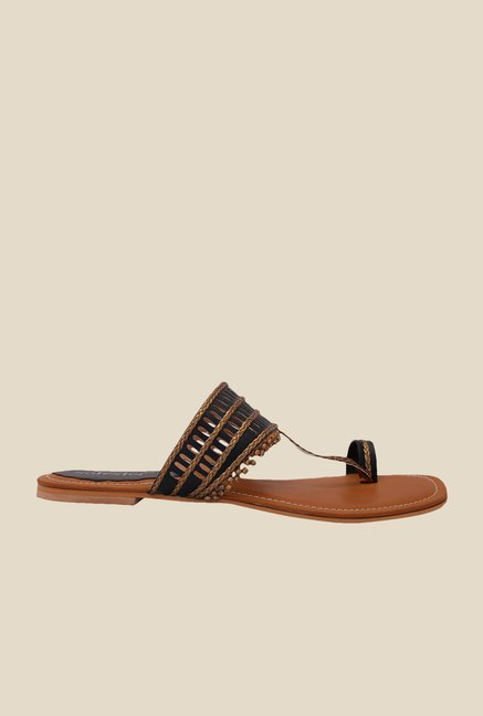 Solester Bronze & Black Toe Ring Sandals