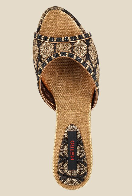 Metro Black & Golden Ethnic Sandals