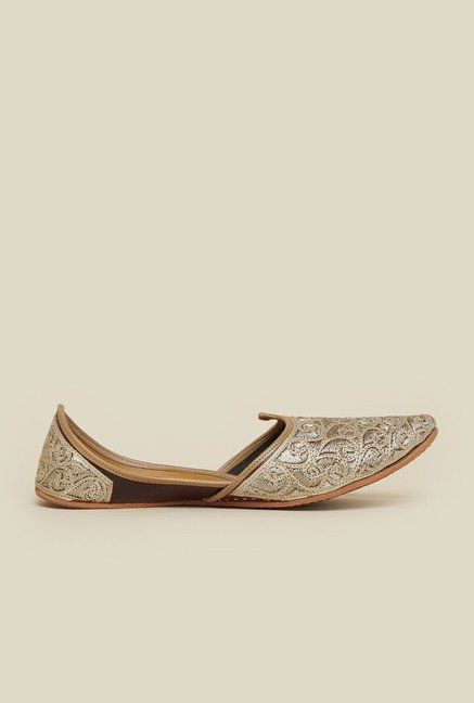 Metro Gold Ethnic Shoes