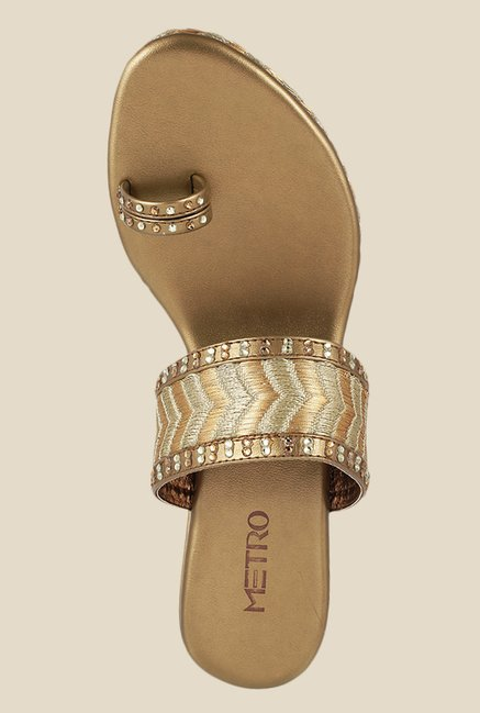 Metro Antique Gold Toe Ring Wedges