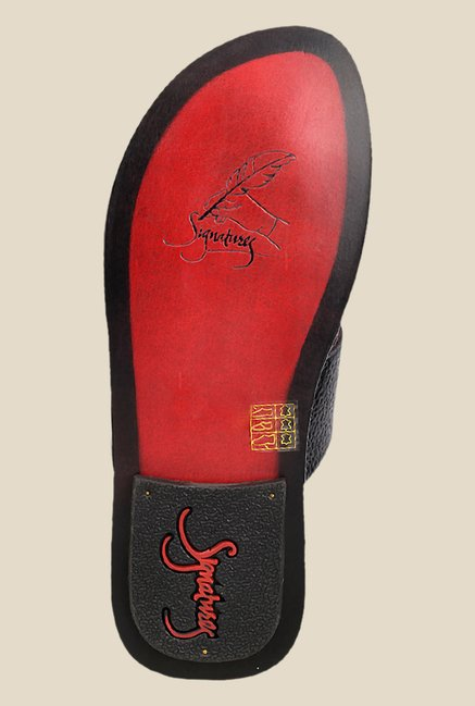 Signature by Metro Black Thong Sandals