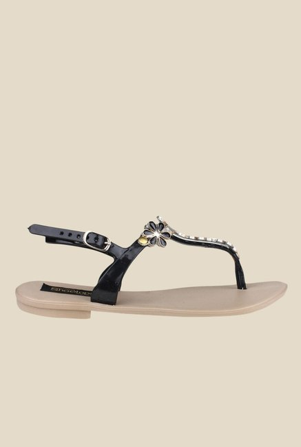 Shoetopia Black & Golden Back Strap Sandals